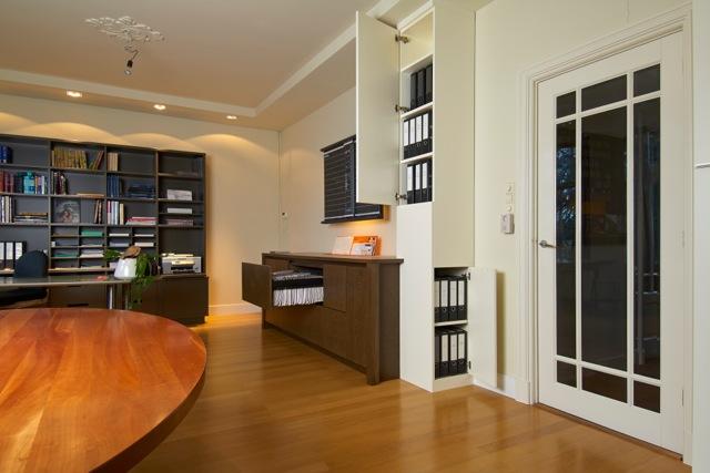 kantoor-dressoir-met-kolomkast