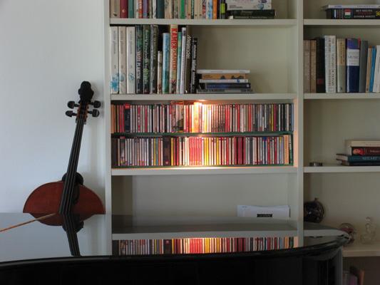 Detail: cd-vak met spotje